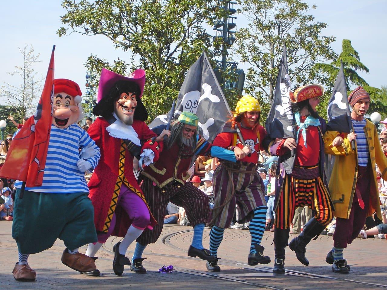 Disneyland Train Tour