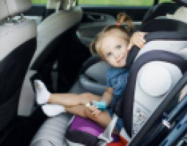 """השכרת רכב עם ילדים בחו""""ל"""